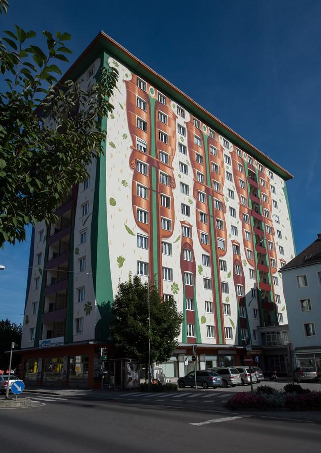 Giant murals cover Kapfenberg's tallest building
